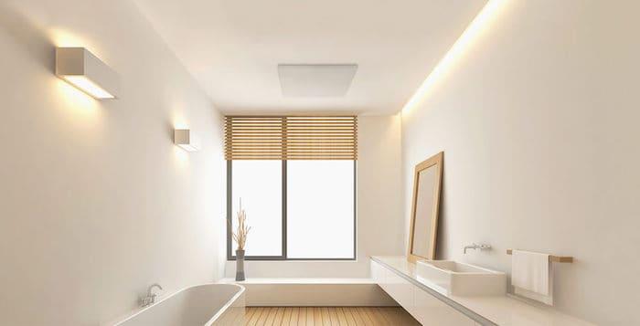 Infrarood verwarming in plafond van de badkamer
